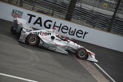 Helio Castroneves, Team Penske Chevrolet et James Jakes, Schmidt Peterson Motorsports Honda