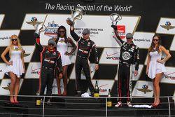 Pódio: Vencedor Will Power, Team Penske Chevrolet, segundo Graham Rahal, Rahal Letterman Lanigan Rac