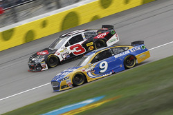 Austin Dillon, Richard Childress Racing Chevrolet et Sam Hornish Jr., Richard Petty Motorsports Ford