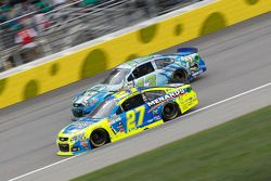 Casey Mears, Germain Racing Chevrolet e Paul Menard, Richard Childress Racing Chevrolet