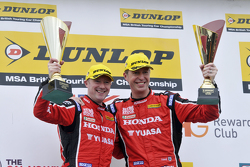 Podium: 1. Gordon Shedden, 2. Matt Neal