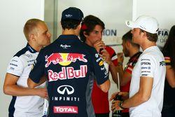 Valtteri Bottas, Williams; Daniel Ricciardo, Red Bull Racing; Roberto Merhi, Manor F1 Team, und Nico