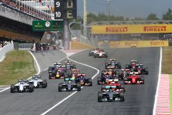 Старт: Нико Росберг, Mercedes AMG F1 W06 leads