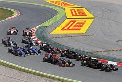 Romain Grosjean, Lotus F1 E23, beim Start
