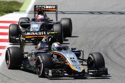 Sergio Perez, Sahara Force India F1 VJM08, vor Teamkollege Nico Hülkenberg, Sahara Force India F1 VJ