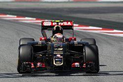 Pastor Maldonado, Lotus F1 E23, mit einem kaputten Heckflügel