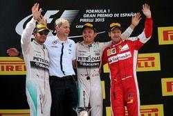 Nico Rosberg, Mercedes AMG F1 Team; Lewis Hamilton, Mercedes AMG F1 Team, und Sebastian Vettel, Scud