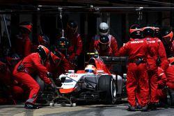 Roberto Merhi, Manor F1 Team, beim Boxenstopp