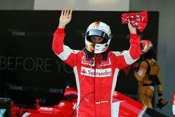 Sebastian Vettel, Ferrari, celebra su tercer lugar en el parc ferme