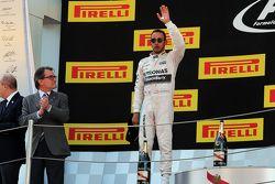 Lewis Hamilton, Mercedes AMG F1 celebra su segunda posición en el podium