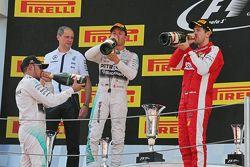 Podium: Lewis Hamilton, Mercedes AMG F1, segundo; Nico Rosberg, Mercedes AMG F1, ganador de la carrera; Sebastian Vettel, Ferrari, tercero