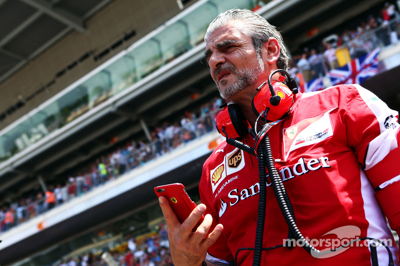 Maurizio Arrivabene, Ferrari-Teamchef, in der Startaufstellung