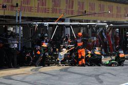 Nico Hulkenberg, Sahara Force India durante una parada en los pits