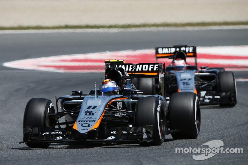 Sergio Perez, Sahara Force India F1 VJM08, vor Teamkollege Nico Hülkenberg, Sahara Force India F1 VJ