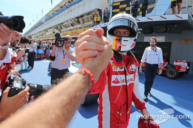 Sebastian Vettel, Ferrari, feiert seinen 3. Platz im Parc Fermé