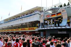 El podium,: Lewis Hamilton, Mercedes AMG F1, segundo; Nico Rosberg, Mercedes AMG F1, ganador de la c