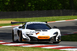 #55 Attempto Racing McLaren 650 S GT3 : Rob Bell, Kevin Estre
