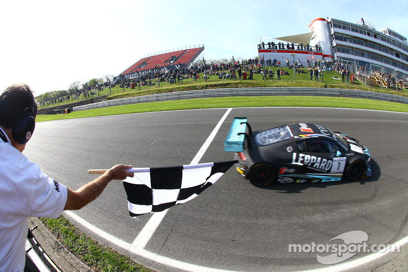 #1 Belgian Audi Club Team WRT Audi R8 LMS Ultra: Robin Frijns, Laurens Vanthoor logran la victoria