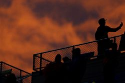 Fans stick it out at Kansas through a long rain delay