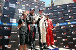 Primer lugar, Michel Nykjaer, SEAT Leon, Target Competition, segundo lugar, Kevin Gleason, Honda Civ