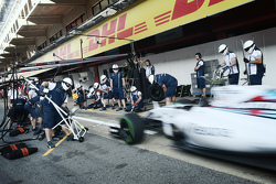 Williams oefent pitstops