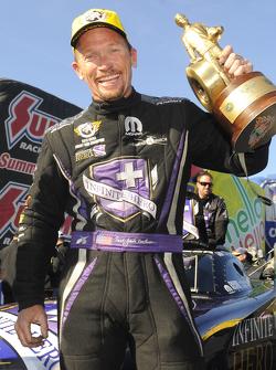 El ganador de Funny Car, Jack Beckman