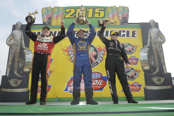 Top Fuel winnaar Doug Kalitta, Funny Car winnaar Ron Capps, Pro Stock winnaar Erica Enders-Stevens