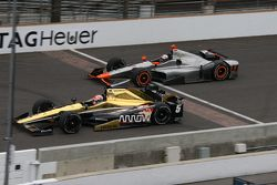 James Hinchcliffe, Schmidt Peterson Motorsports Honda and Stefano Coletti, KV Racing Technology