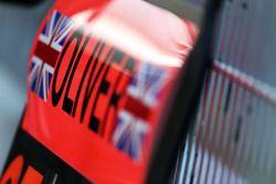 Oliver TuRandy, McLaren Test Pilotu için pit tabelası