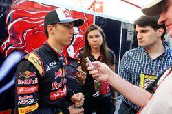 Pierre Gasly, Scuderia Toro Rosso Test Pilotu medya ile birlikte