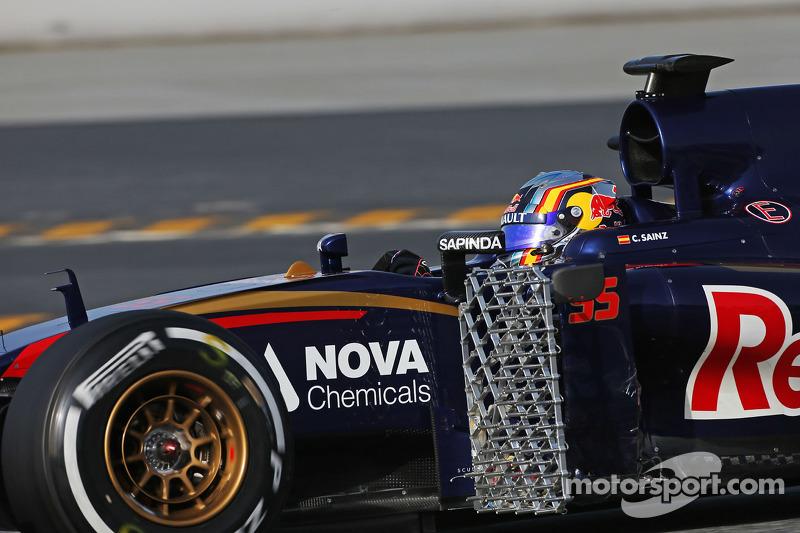 Carlos Sainz Jr., Scuderia Toro Rosso STR10 corriendo el equipo de sensor
