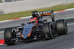 Esteban Ocon, Sahara Force India F1 VJM08 Piloto de pruebas corriendo el equipo de sensor