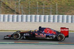 Карлос Сайнс, Scuderia Toro Rosso STR10
