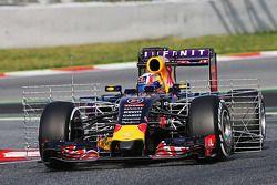 Pierre Gasly, Red Bull Racing RB11 Test Pilotu, sensörlerle birlikte pistte