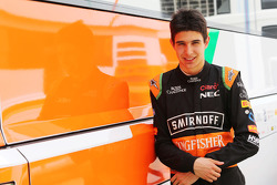 Эстебан Окон, тест-пилот Sahara Force India F1 Team