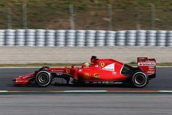 Esteban Gutierrez, Ferrari SF15-T Piloto de pruebas y de reservar