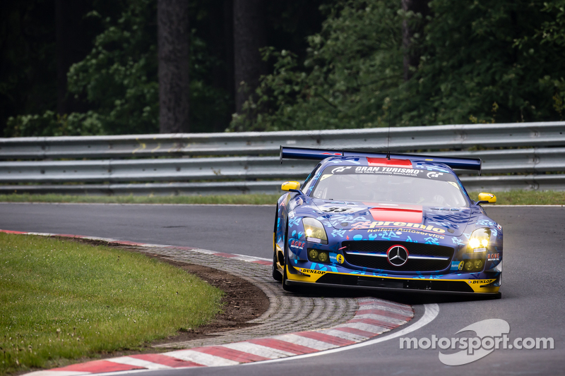 #33 Team Premio, Mercedes-Benz SLS AMG GT3: Rob Huff, Kenneth Heyer, Philipp Frommenwiler, Christian Krognes