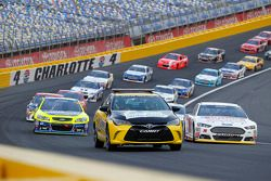 Pace car leads the field