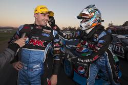 Переможець гонки Марк Вінтерботтом, Prodrive Racing Australia Ford та Чез Мостерт, Prodrive Racing A