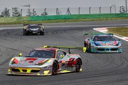 #1 Clearwater Racing Ferrari: Mok Weng Sun, James Calado