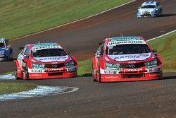 Matías Rossi, Toyota Team Argentina; Esteban Guerrieri, Toyota Team Argentina