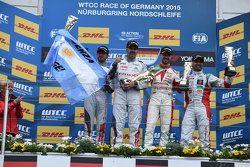 Race 2 Podium: Jose Maria Lopez and Yvan Muller, Citroën World Touring Car team and Tiago Monteiro, Honda Racing Team JAS and Mehdi Bennani, Sébastien Loeb Racing
