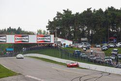 #62 Risi Competizione Ferrari 458 GT3 Italia: Ricardo Perez crashes