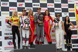 Podium: race winner Colin Thompson, second place Sloan Urry, third place Lorenzo Trefethen