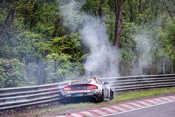 #50 Aston Martin Test Centre Aston Martin GT12 : Chris Harris, Shinichi Katsura, Kazunori Yamauchi, Andreas Gülden souffre d'un gros crash à Bergwerk