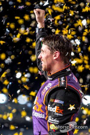 Ganador de la carrera: Denny Hamlin, Joe Gibbs Racing Toyota