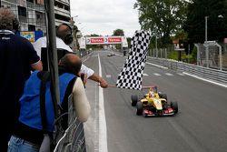 Antonio Giovinazzi, Jagonya Ayam with Carlin, Dallara Volkswagen