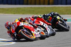 Марк Маркес, Repsol Honda Team и Андреа Янноне, Ducati Team и Брэдли Смит, Tech 3 Yamaha