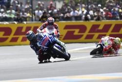 Хорхе Лоренсо, Yamaha Factory Racing, Андреа Довициозо и Андреа Янноне, Ducati Team