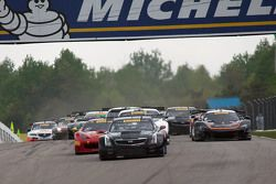 Start: #3 Cadillac Racing Cadillac ATS-VR GT3: Johnny O'Connell leads